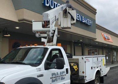 Dean Moran Elec Bucket Truck Service